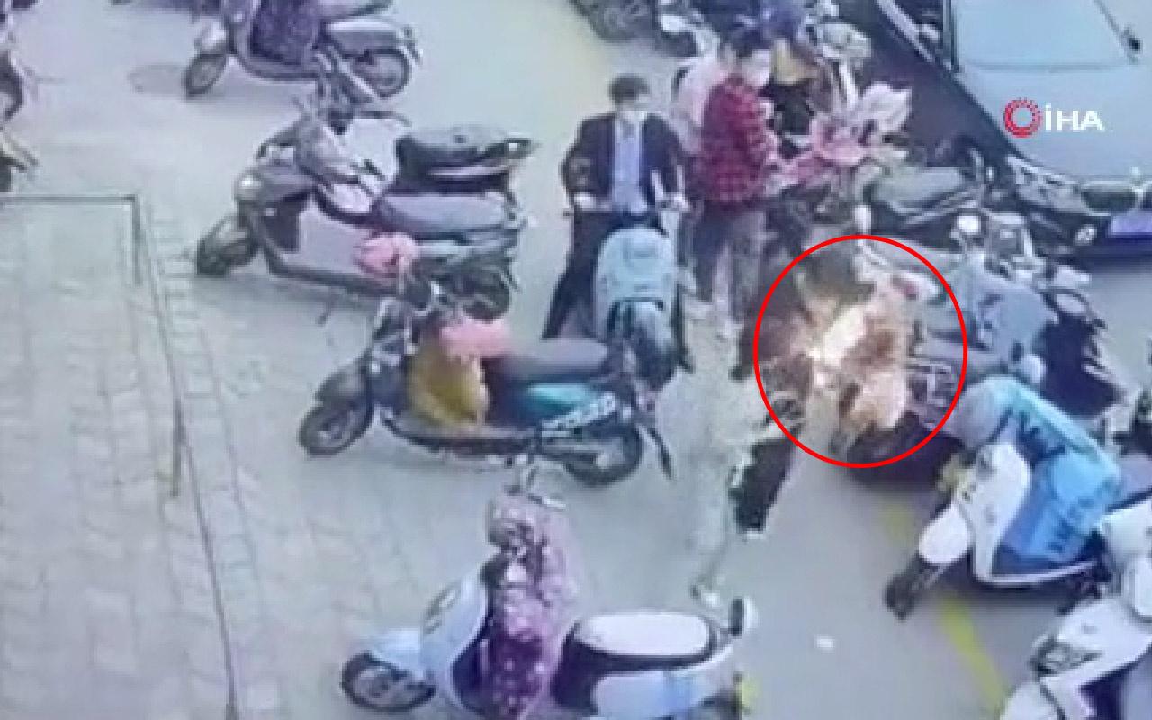 Yolda yürüyen genç neye uğradığı şaşırdı! Yüzü ve kolları yandı