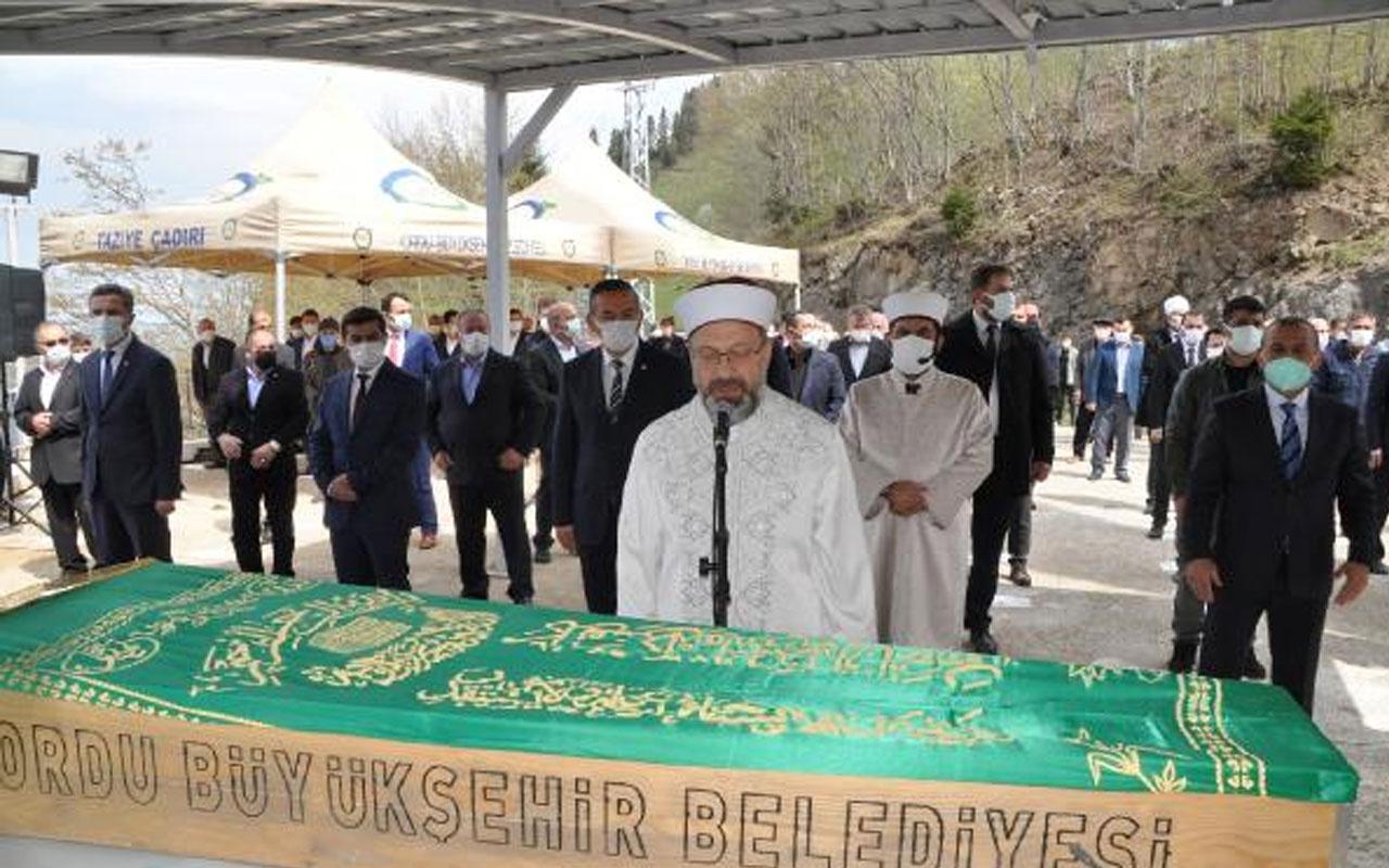 Diyanet İşleri Başkanı Ali Erbaş amcasının cenaze namazını kıldırdı