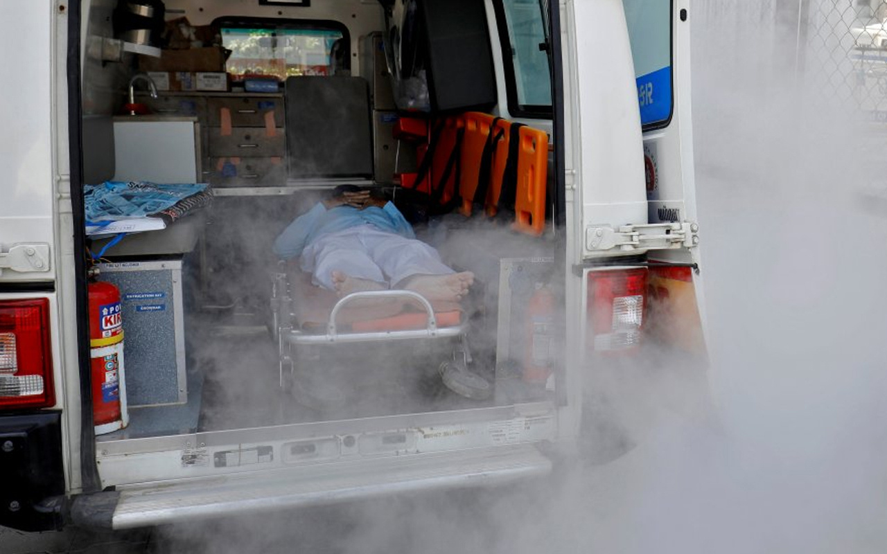 Hindistan'da, sızıntı nedeniyle oksijensiz kalan 22 Covid-19 hastası hayatını kaybetti