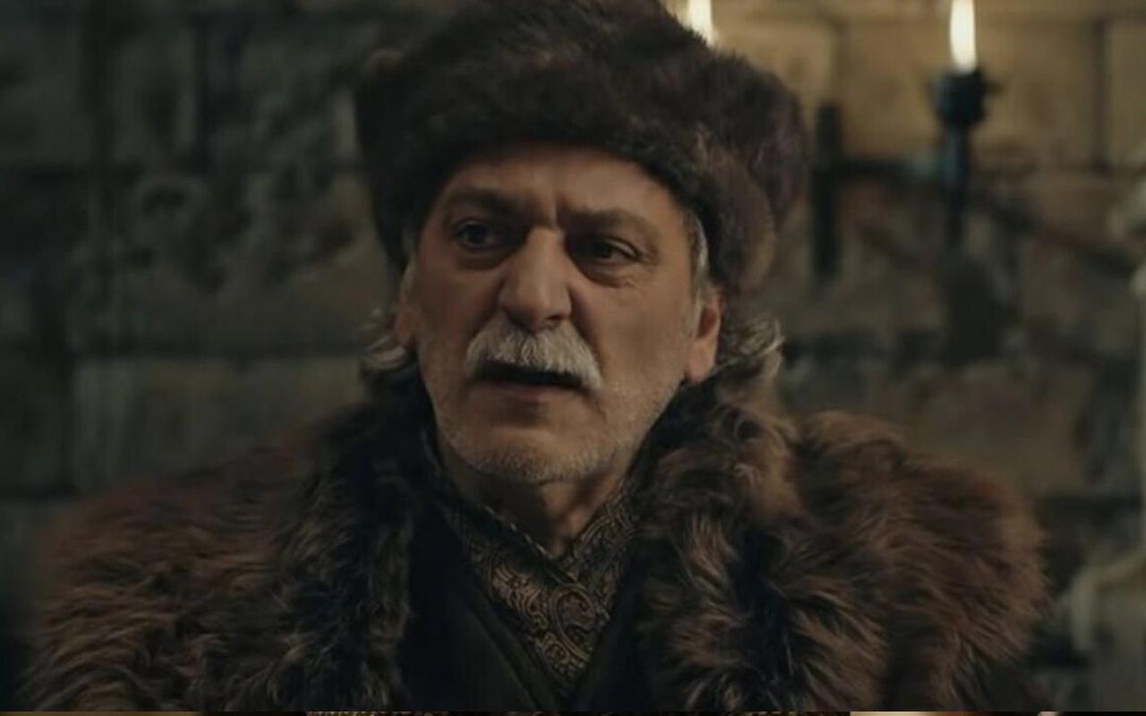 Umur Bey  kimdir Kuruluş Osman kim oynuyor tarihte var mı?