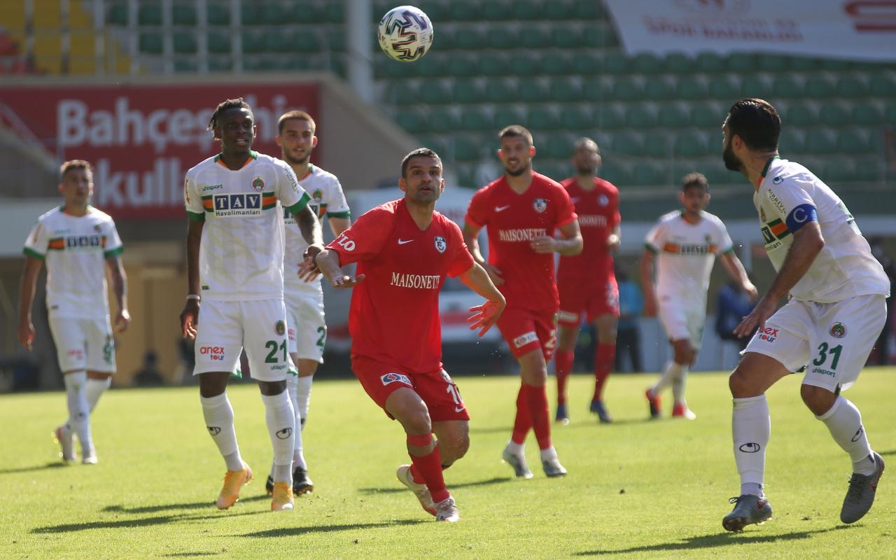 Alanyaspor konuk ettiği Gaziantep FK'yi eli boş gönderdi