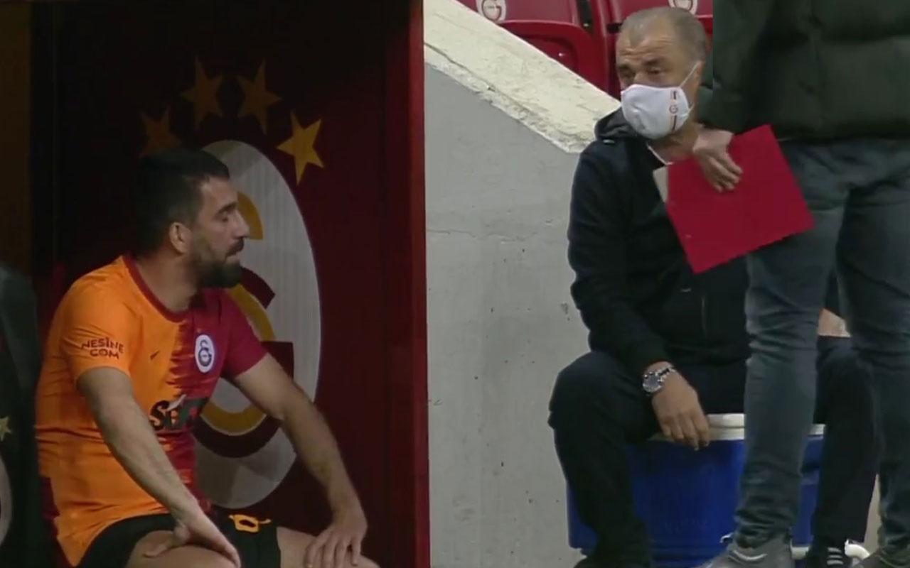 Galatasaray'da istifa çatlağı! Taraftar ikiye bölündü