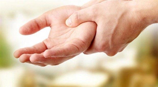 Ellerim çok titriyor ne yapmalıyım? Titremenin farklı sebepleri var!