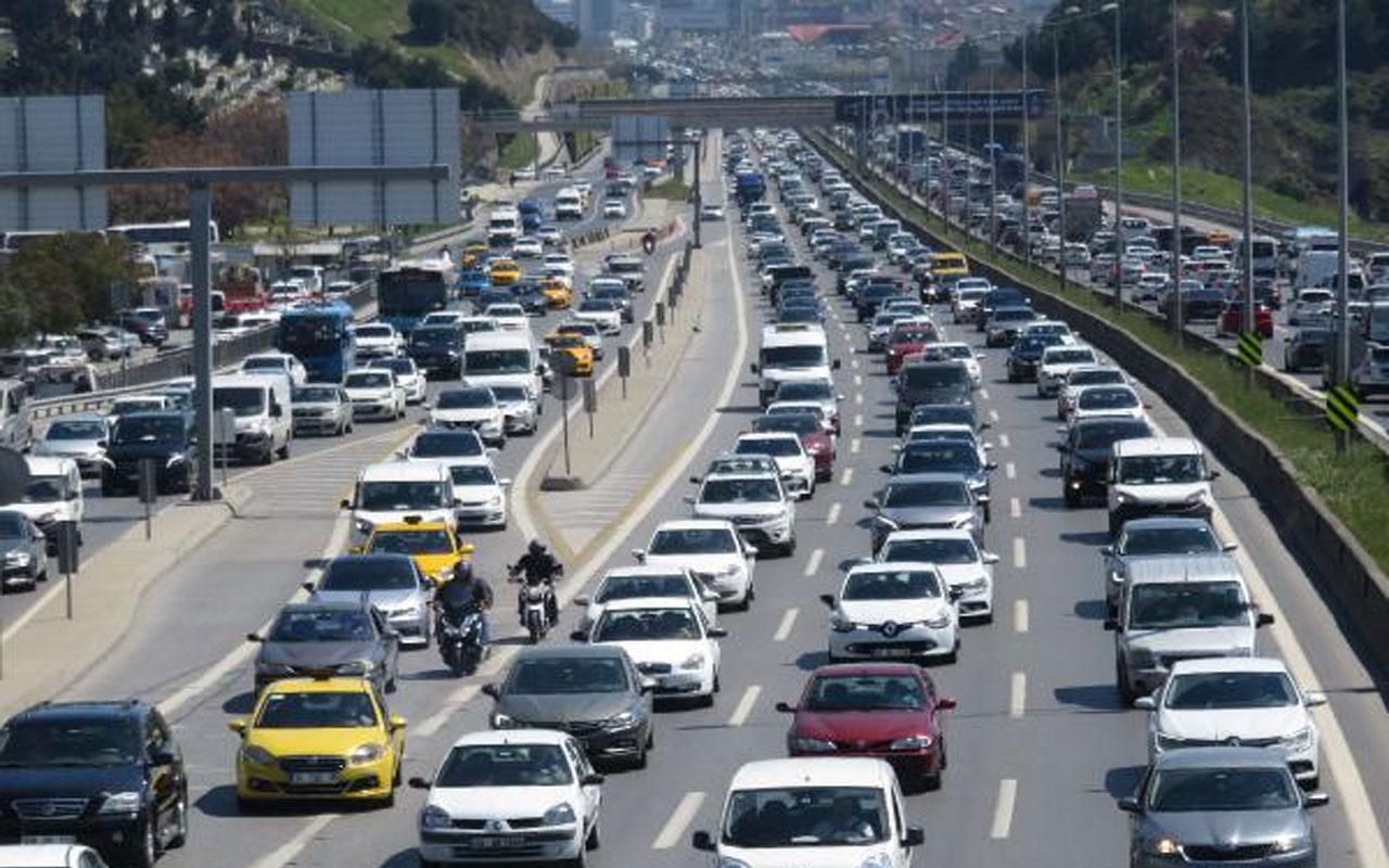 82 saatlik kısıtlama öncesi İstanbul! Trafik yoğunluğu yüzde 69 oldu
