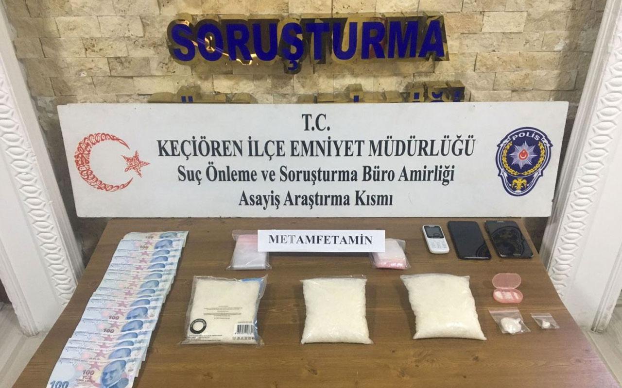 Ankara'da uyuşturucu taciri 2 kardeş, otel odasında yakalandı