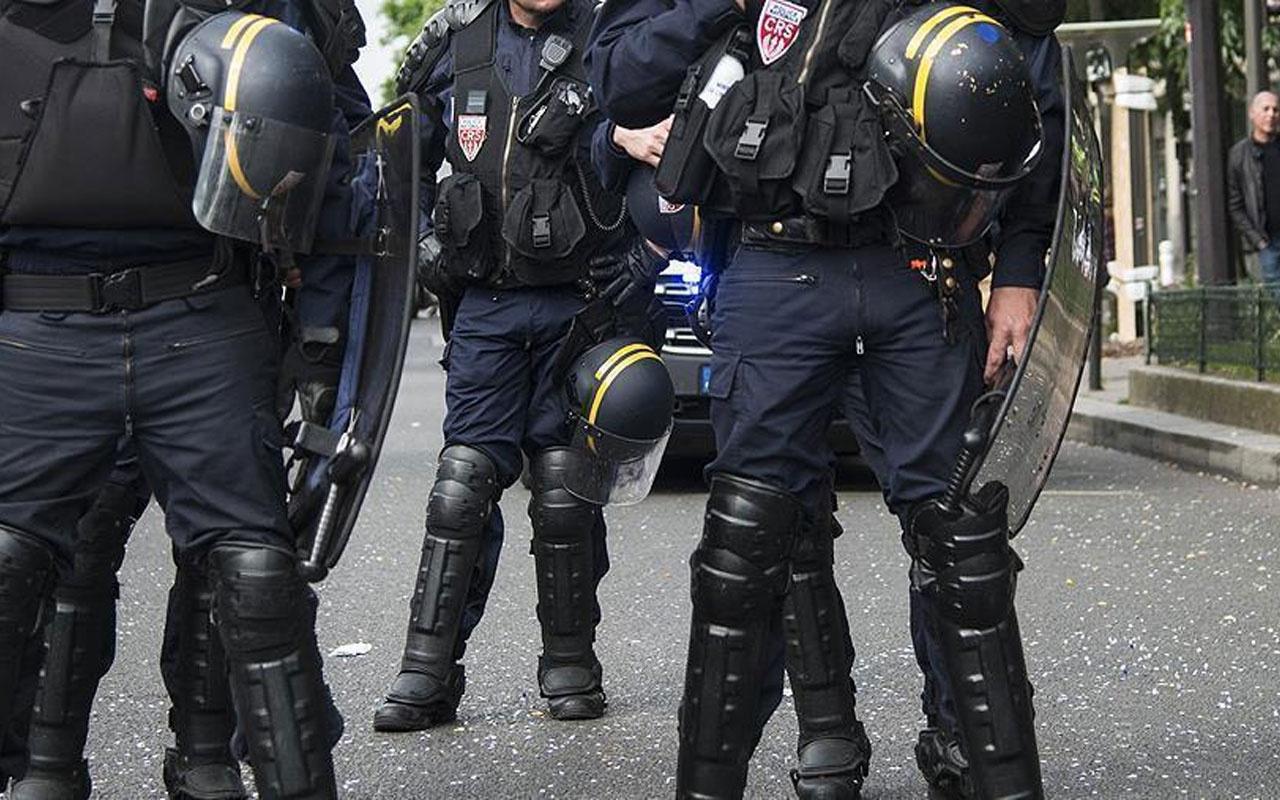 Fransa'da hareketli saatler! Polis memuru bıçakla yaralandı