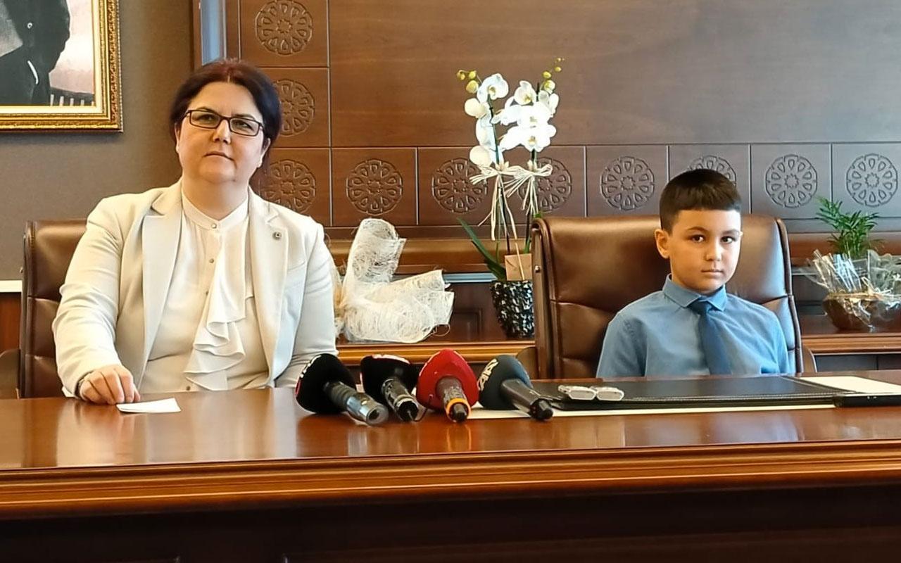 Bakan Derya Yanık Ramazan ayı diye çocuğa çikolata vermedi bakanı hedef gösterdiler