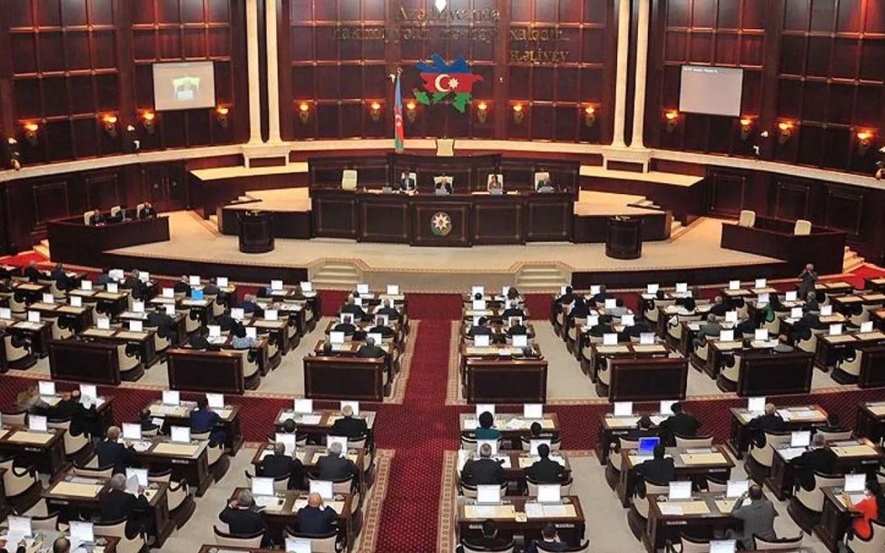 Azerbaycan'daki 48 siyasi partiden 'soykırım' ifadesini kınayan bildiri