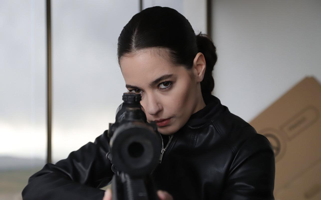 TRT dizisi Teşkilat'taki Pınar poz verdi takipçileri neden çıplaksın diye sordu
