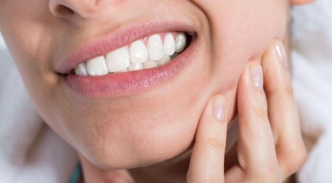 Diş eti iltihabı neden olur nasıl geçer?