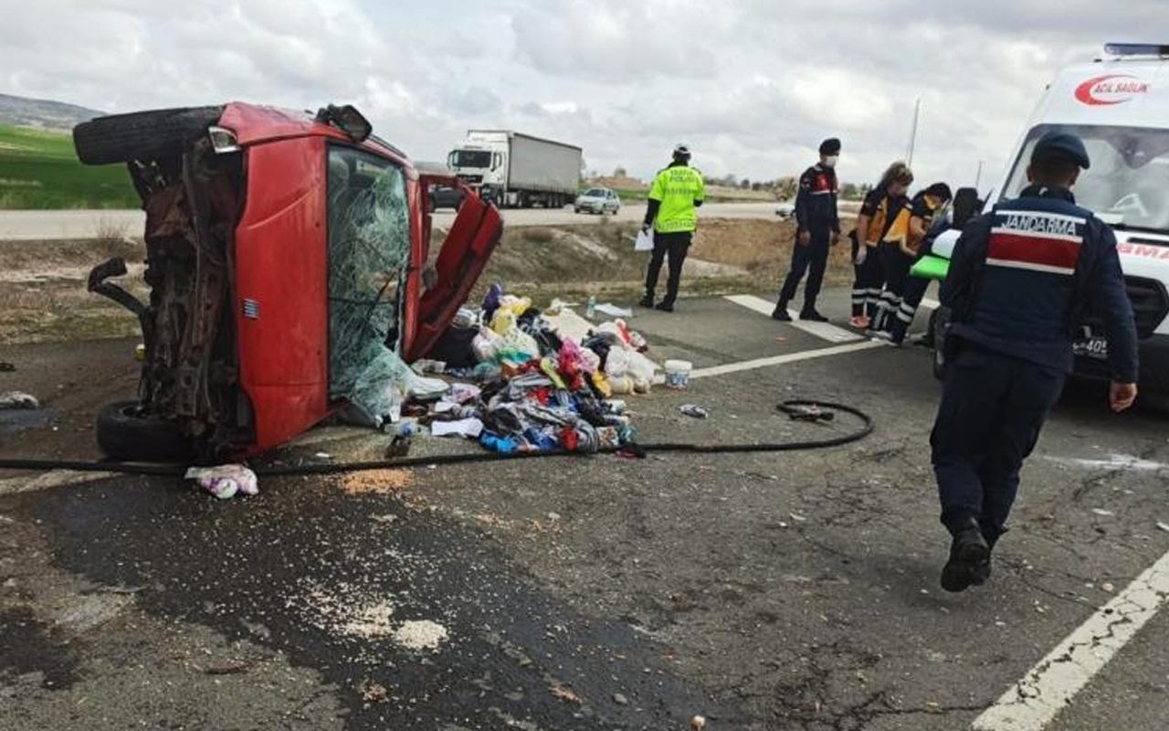 Kırıkkale'de feci kaza! Refüje çarpıp karşı şeride devrildi: Çok sayıda yaralı var