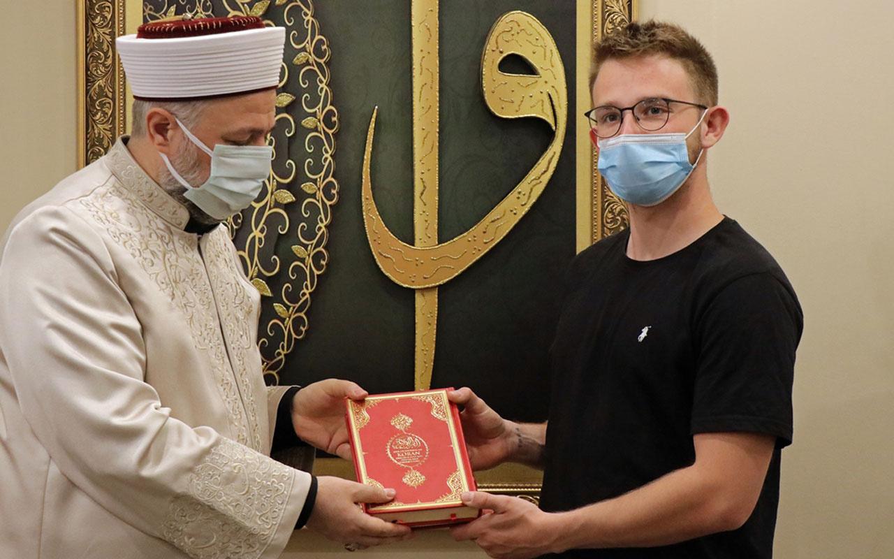 Alman genç arkadaşının babaannesinden etkilenip Müslüman oldu