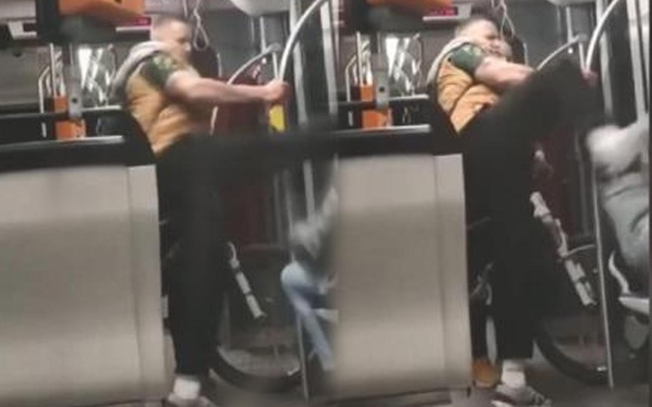 Tramvayda Suriyeliye acımasız saldırı! Polis her yerde saldırganı arıyor