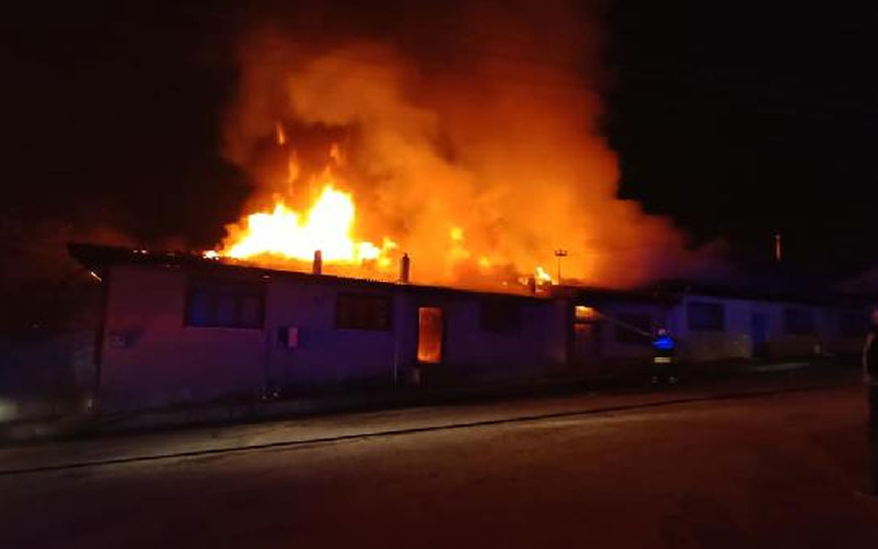 Kastamonu'da yangın faciası!  4 ev kül oldu 2'si kullanılamaz hale geldi