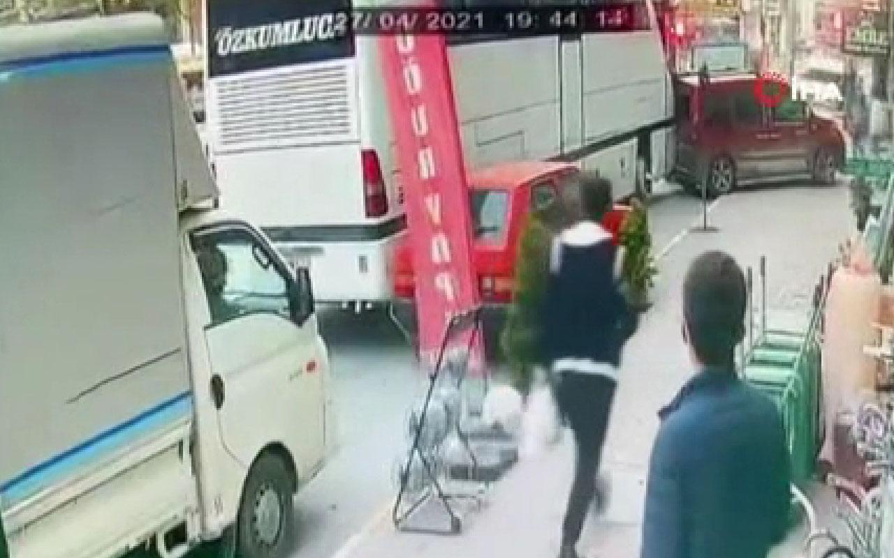 İstanbul'da facianın eşiğinden dönüldü! Otobüs, 5 aracı böyle biçti