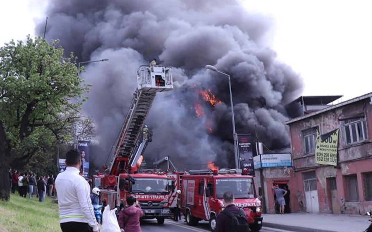 Eyüpsultan'da korkutan yangın: Balıkçı deposu alevlere teslim oldu