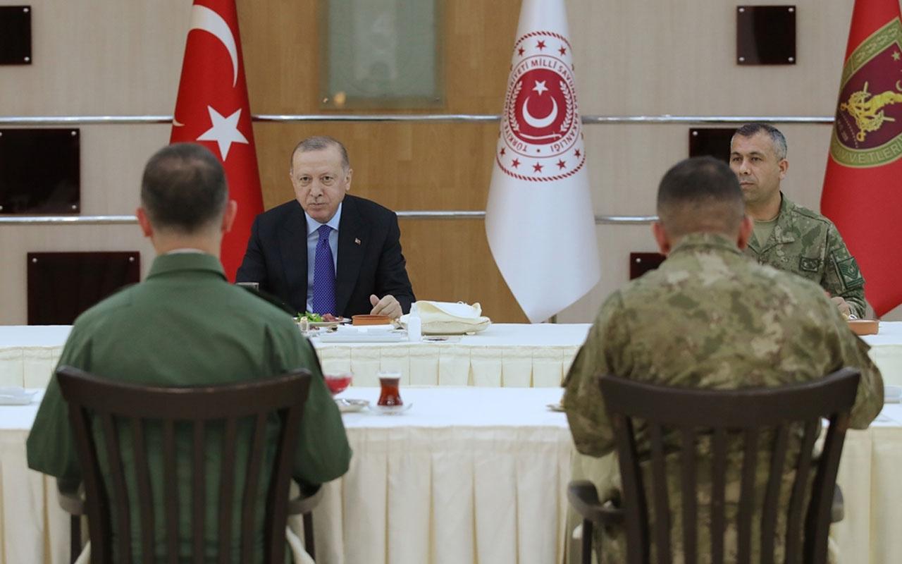Erdoğan iftarda askerlerle bir araya geldi
