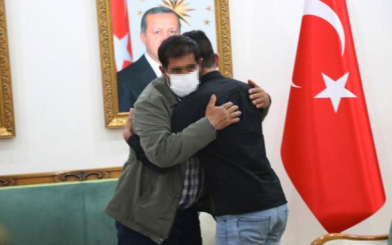 Diyarbakır HDP binası önündeki evlat nöbetinde 25'inci kavuşma
