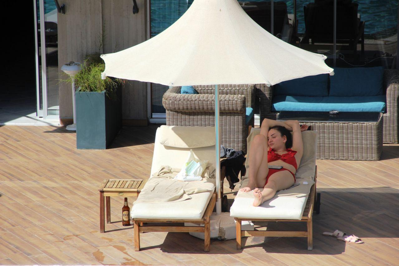 Bodrum'da sahiller Rus ve Ukraynalı turistlere kaldı! Güneşin keyfini çıkardılar