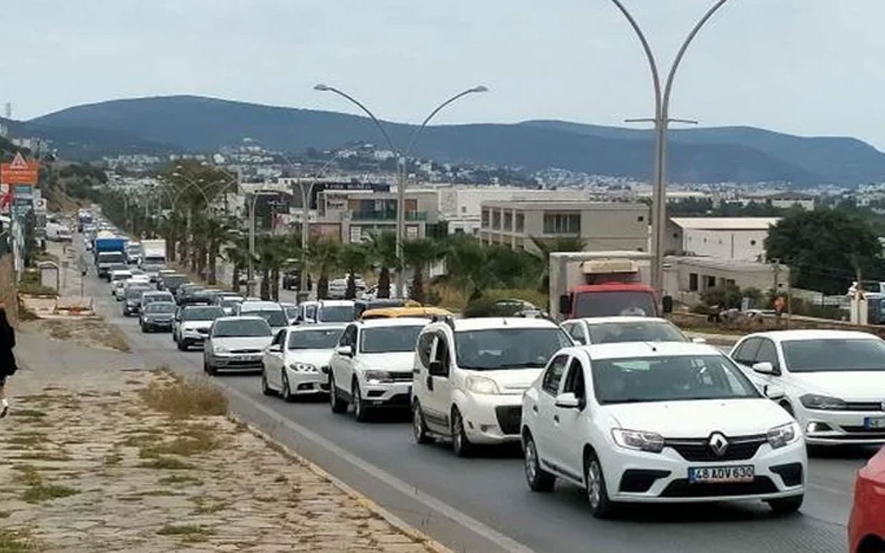 Tam kapanma öncesi Bodrum'a akın ettiler! Dilek Güngör'den göç manzarası için olay sözler