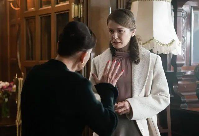 Seyirci Burcu Biricik için teşekkür etti Kanal D Camdaki Kız dizisinde işler tersine döndü