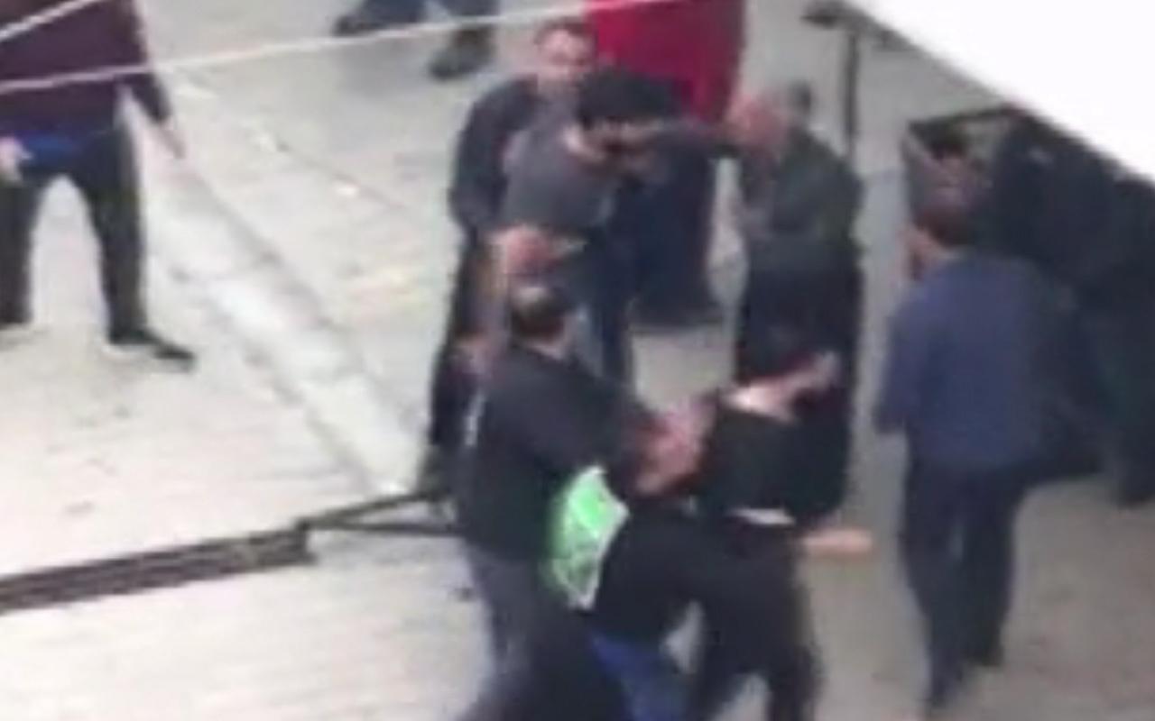 İstanbul'da taciz iddiası sonrası kıyamet koptu! Satır, bıçak, sopa ve demir çubuklu kavga