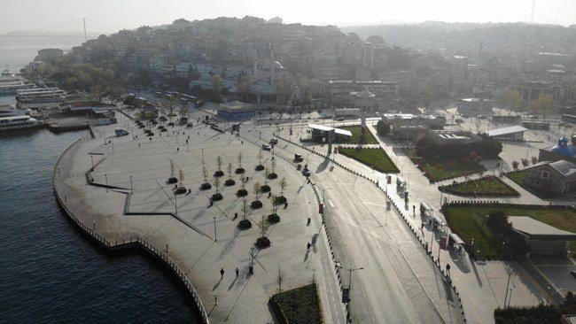 İstanbul tam kapanma sonrası sessizliğe büründü! İşte meydanlardan kareler...