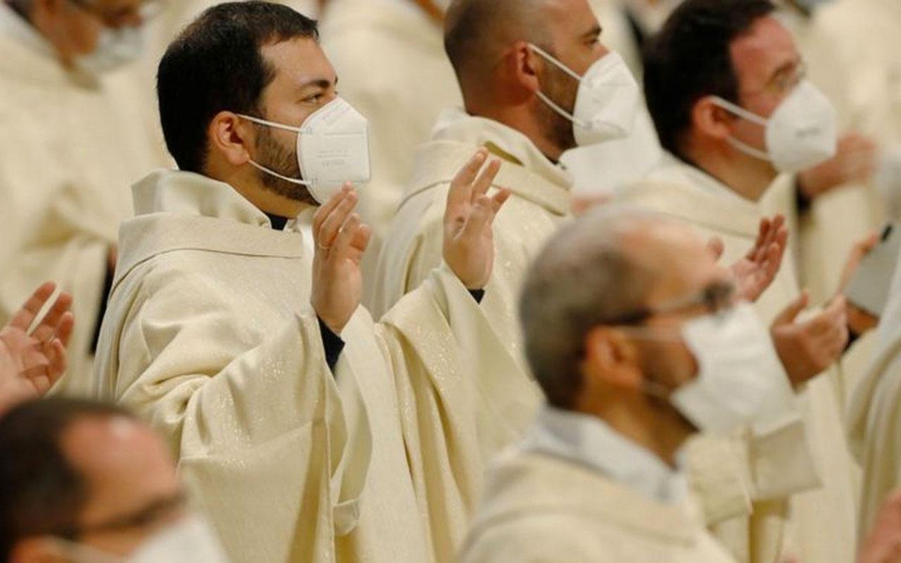 Vatikan'da yolsuzluğa karşı 40 euro'nun üzerinde hediye kabul etmek yasaklandı