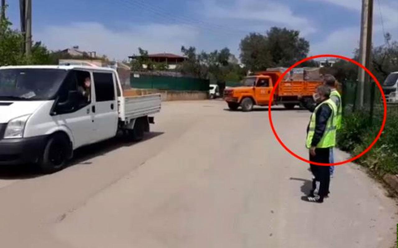 Dilovası Belediye BaşkanıHamzaŞayir yardım kolisi yüklü araçları böyle uğurladı