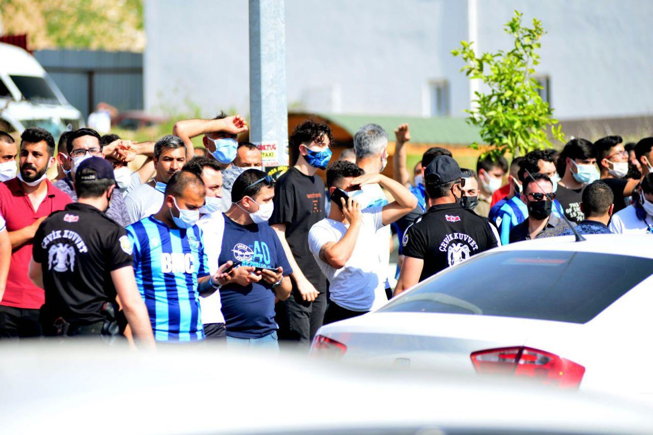 Adana Demirspor tribünlerinde şaşkına çeviren görüntü