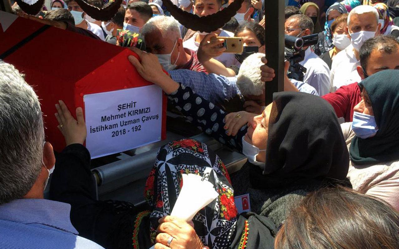 Şehit Uzman Çavuş Mehmet Kırmızı son yolculuğuna uğurlandı annenin sözleri yürekleri dağladı