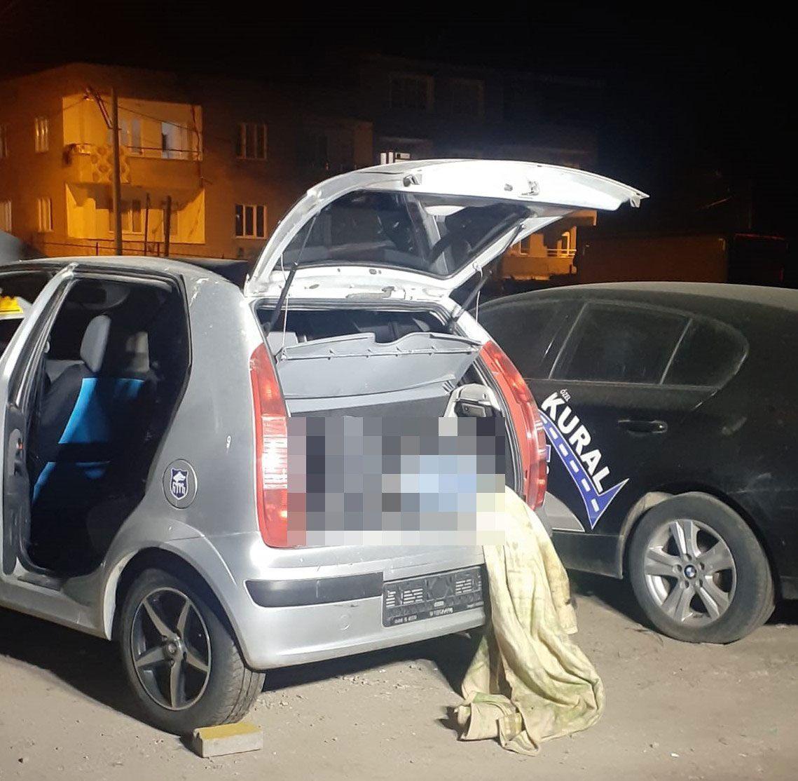 Bursa'da kan donduran cinayet! Park halindeki otomobilin bagajında erkek cesedi bulundu