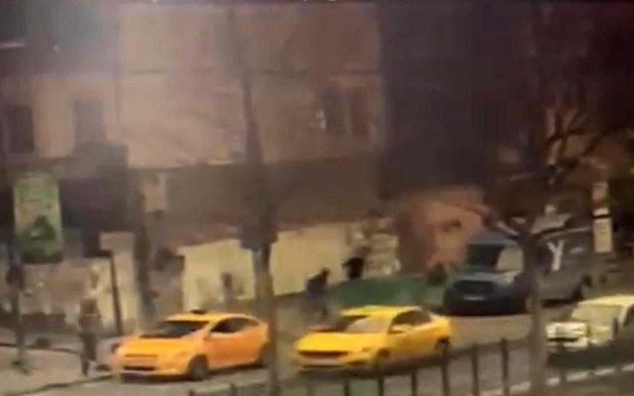 İstanbul'un göbeğinde silahlı çatışma! Çocuğunu bırakıp böyle kaçtı