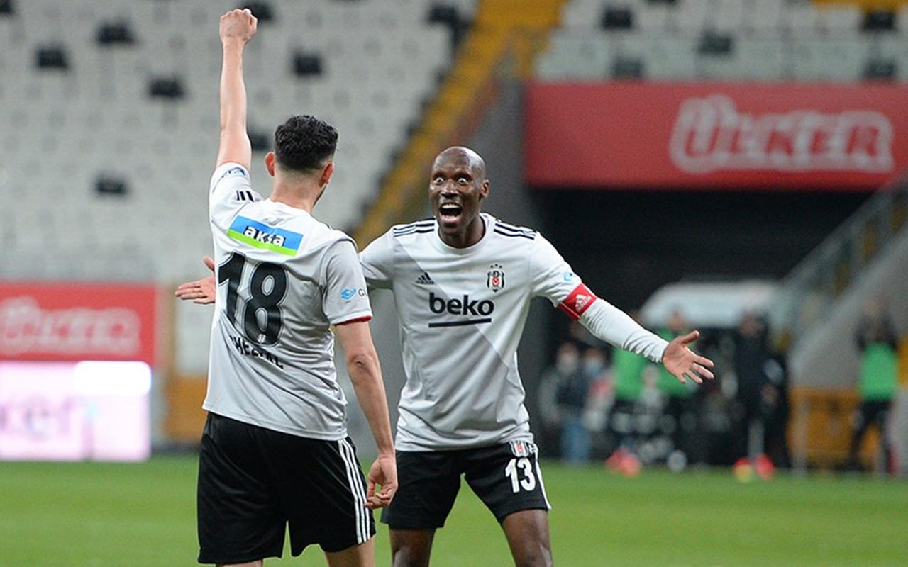 Beşiktaş'ta kalacak mı? Atiba merak edilen soruyu yanıtladı