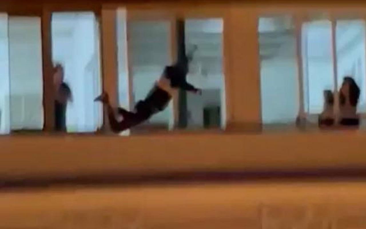 Hatay'da dehşet anları! 7 katlı apartmanın çatısına çıkan kişi intihar etti