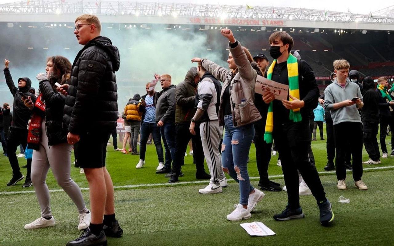 Manchester United-Liverpool maçı öncesi dev protesto!