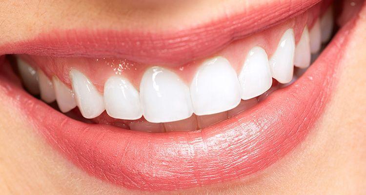 """""""Bilinçsiz antibiyotik kullanımı dişlere zarar veriyor"""""""