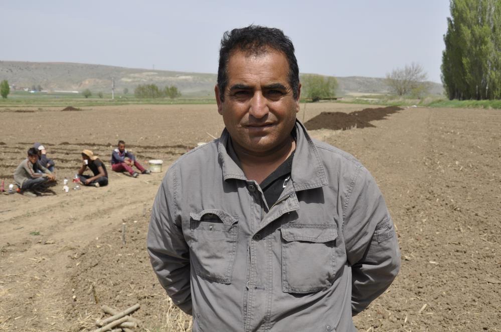 Tarımın bel kemiği mevsimlik işçiler Ramazan ayında Eskişehir'de işlerinin başında