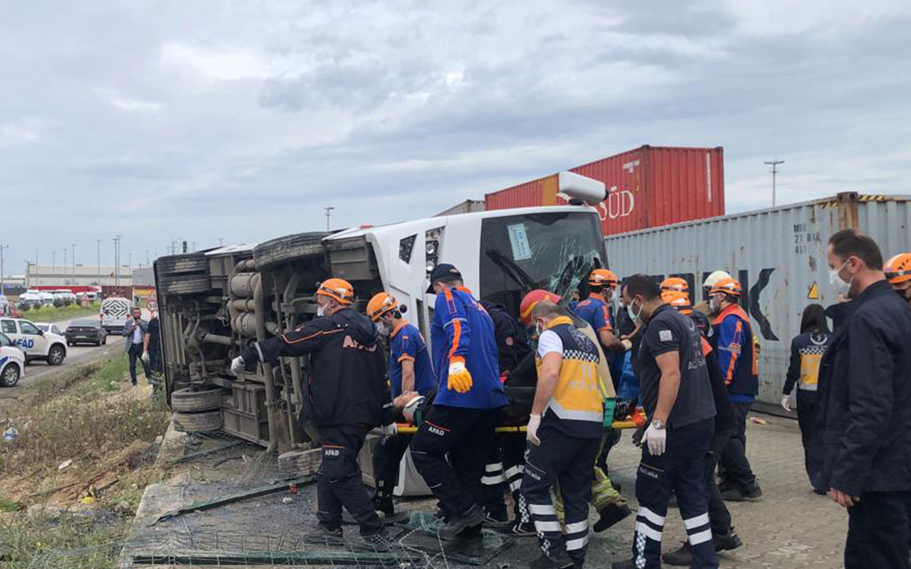 Bursa'da işçi midibüsü takla attı 20 kişi yaralandı