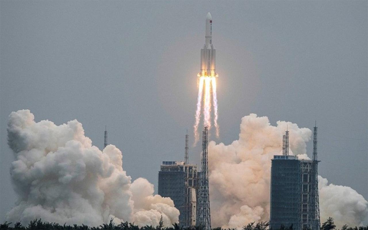 Çin kontrolden çıkan ve Dünya'ya düşmesi beklenen roket konusunda sessiz