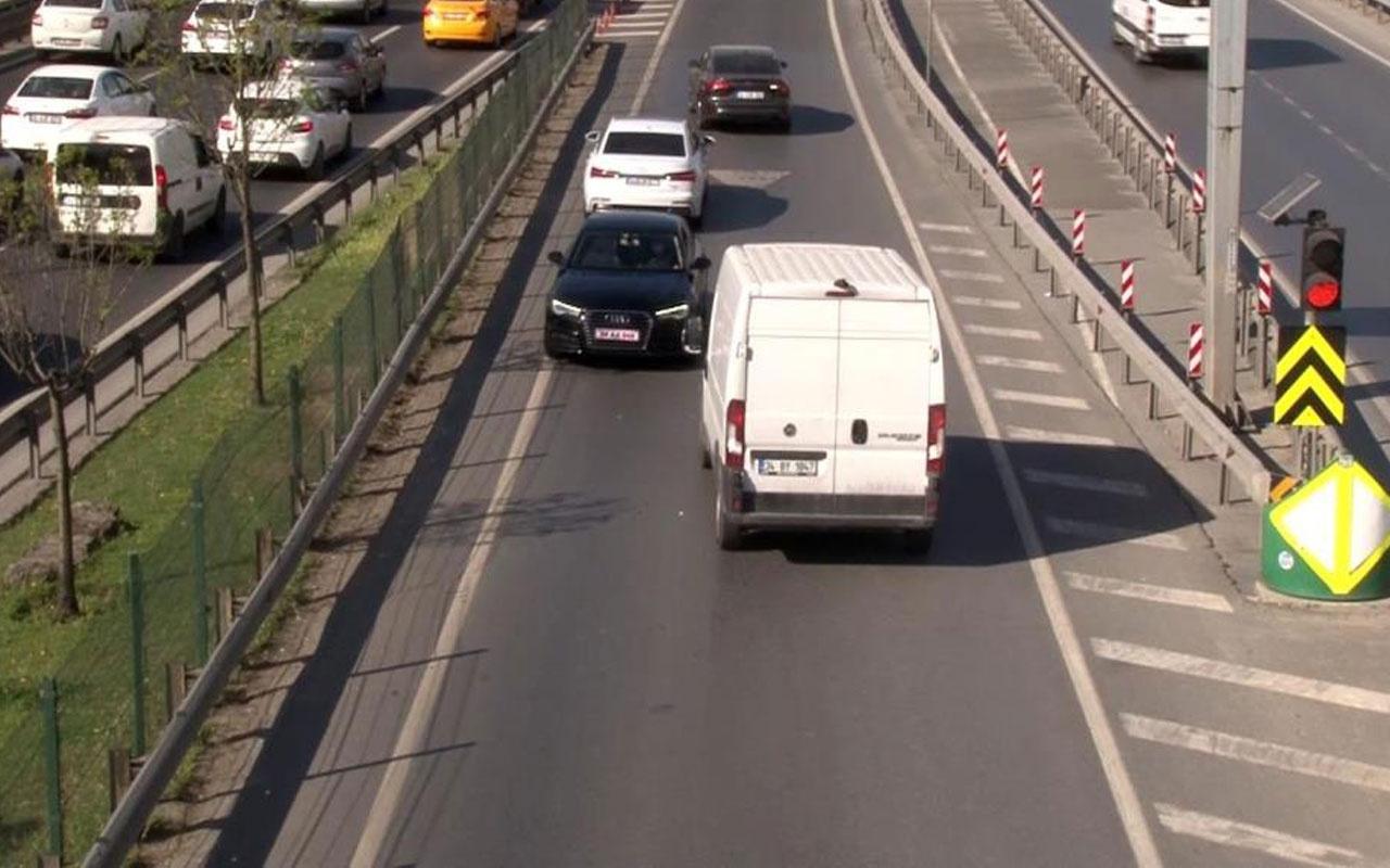 E-5'te geri geri gelen sürücüler trafiği tehlikeye soktu! Polise aldırmadılar