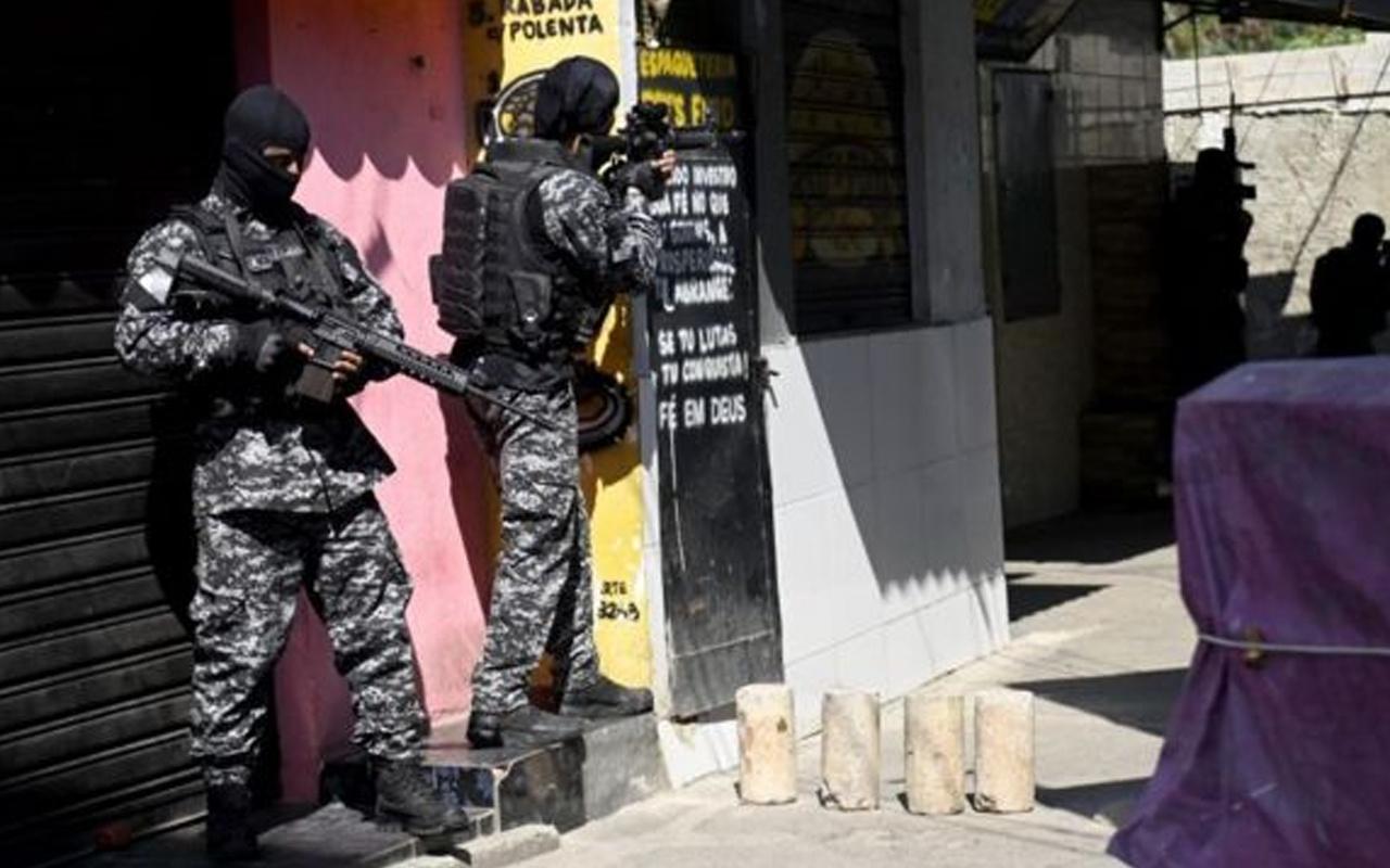 Brezilya'da uyuşturucu çetesiyle polis arasında çatışma: 25 ölü