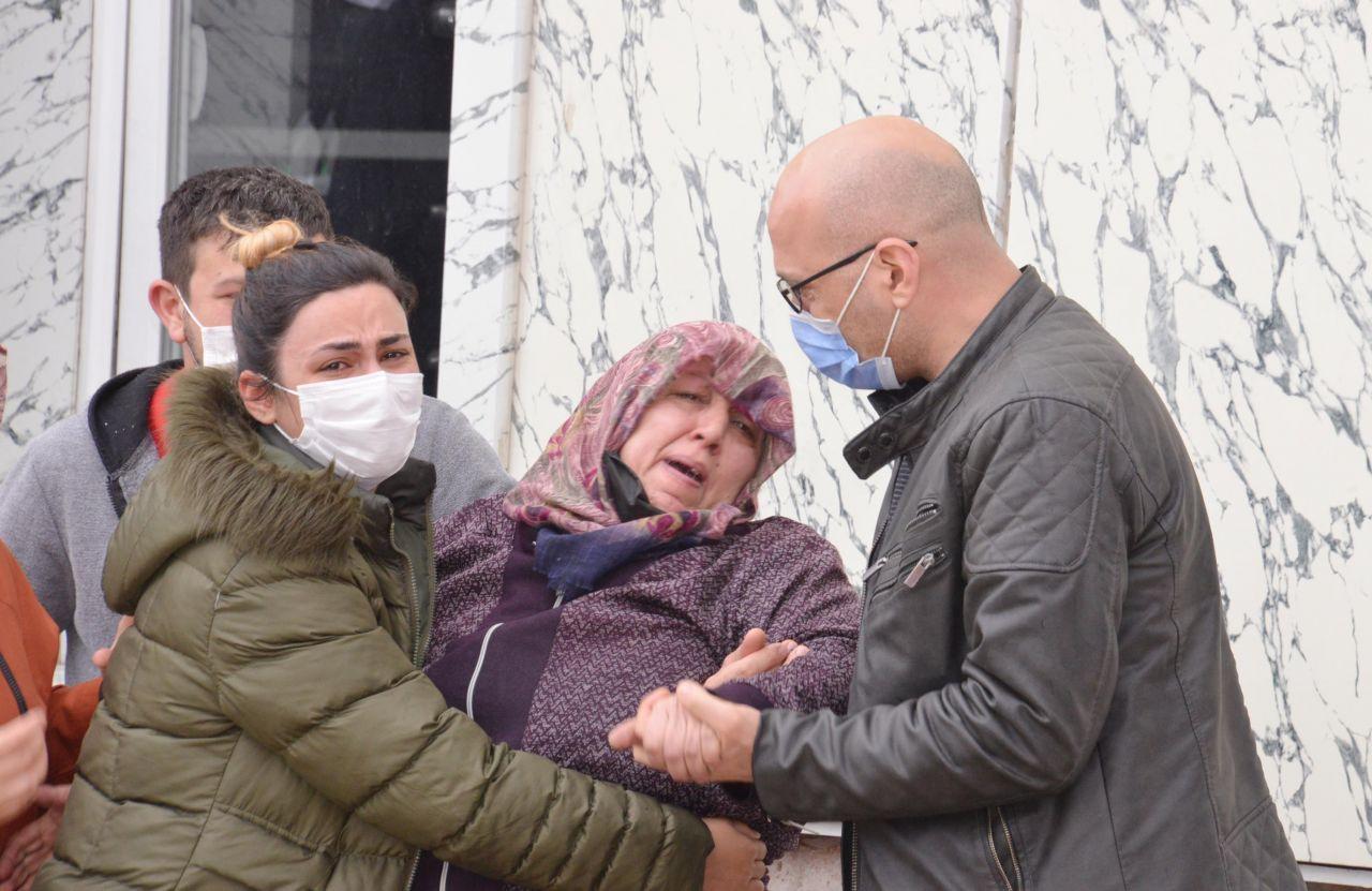 Kapıyı açtım, yerde cesedi buldum! 13 yaşındaki Pınar 'mahallenin pisliği'nin kurbanı oldu
