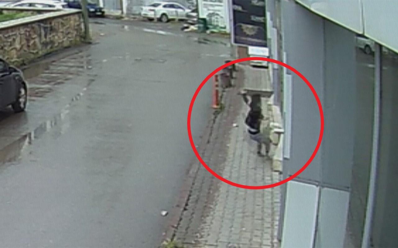 Sivas'ta balkondan sarkan çocuk kaldırıma düştü