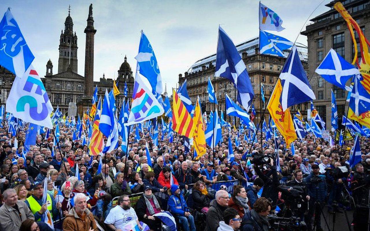 İskoçlar yol ayrımında halk sandık başında