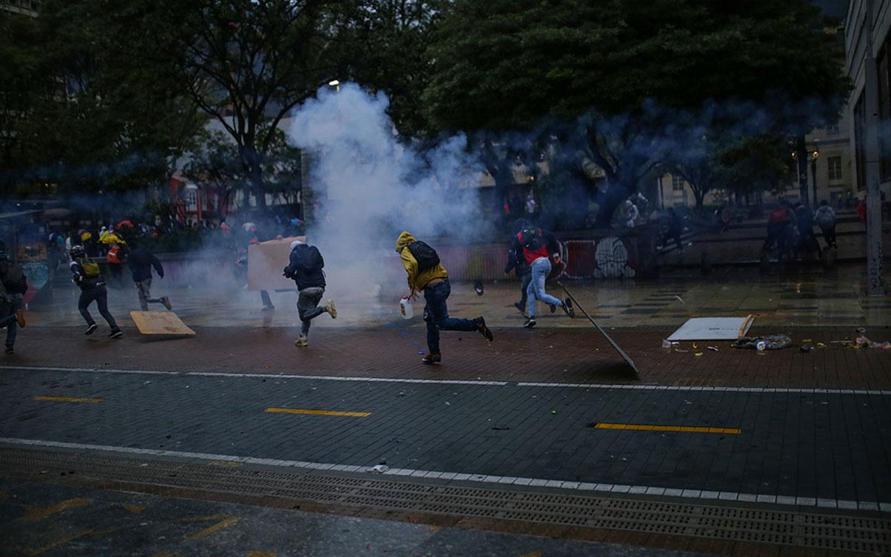 Kolombiya sokaklarında tansiyon yüksek: Çok sayıda ölü ve yaralı var