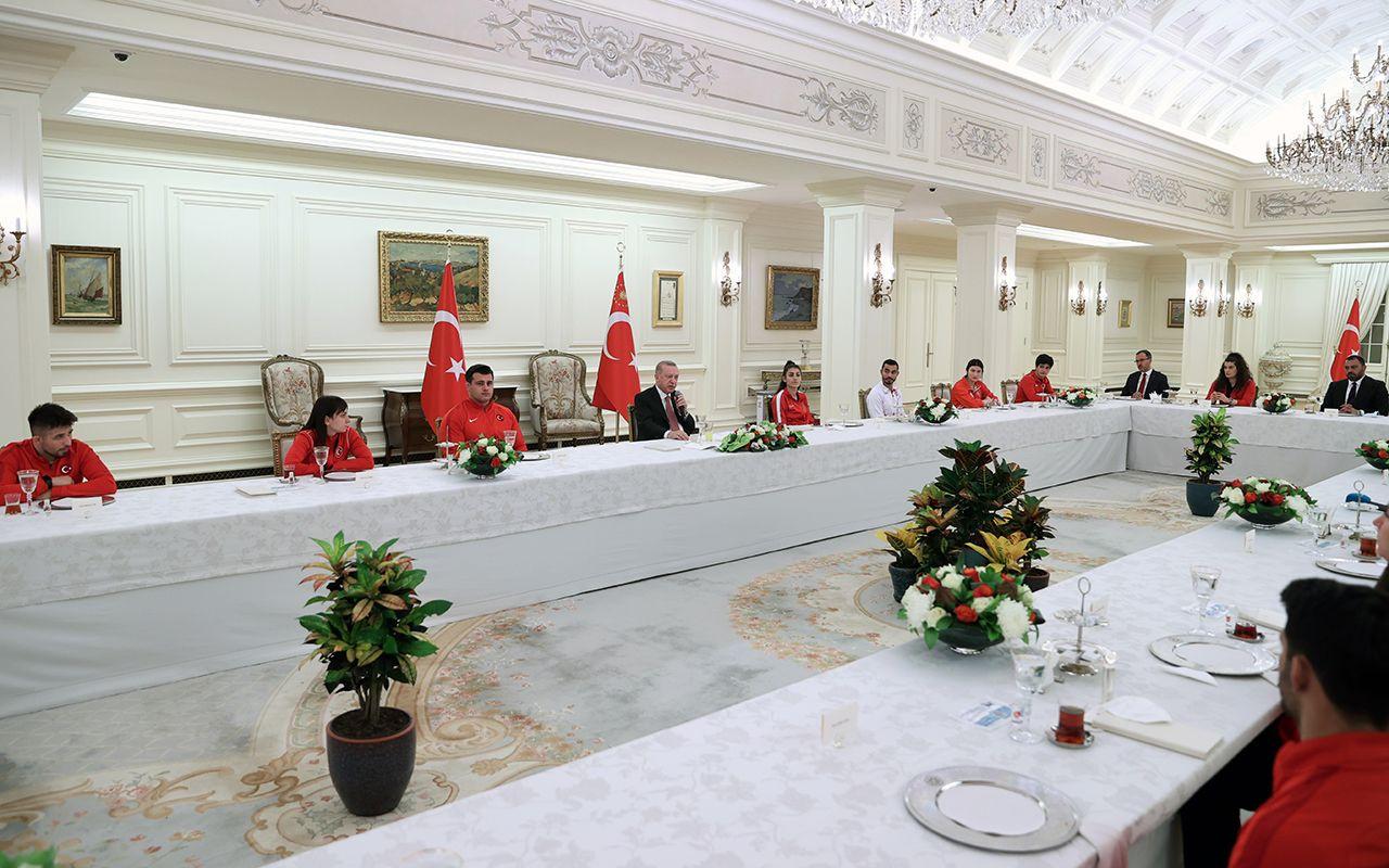Cumhurbaşkanı Erdoğan milli sporcularla iftar yaptı