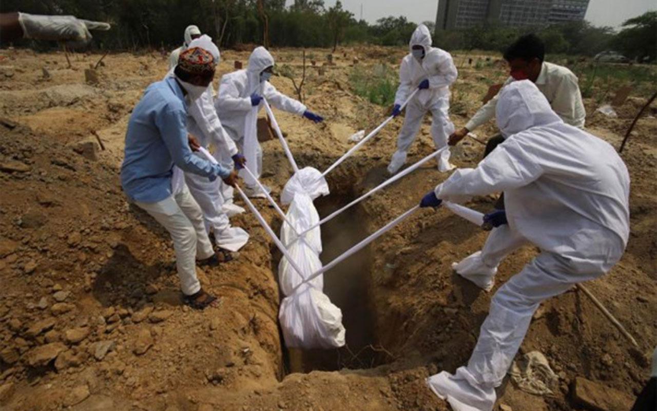 Koronavirüs nedeniyle ölenlerin sayısı bildirilenlerin en az iki katı! Bomba araştırma...