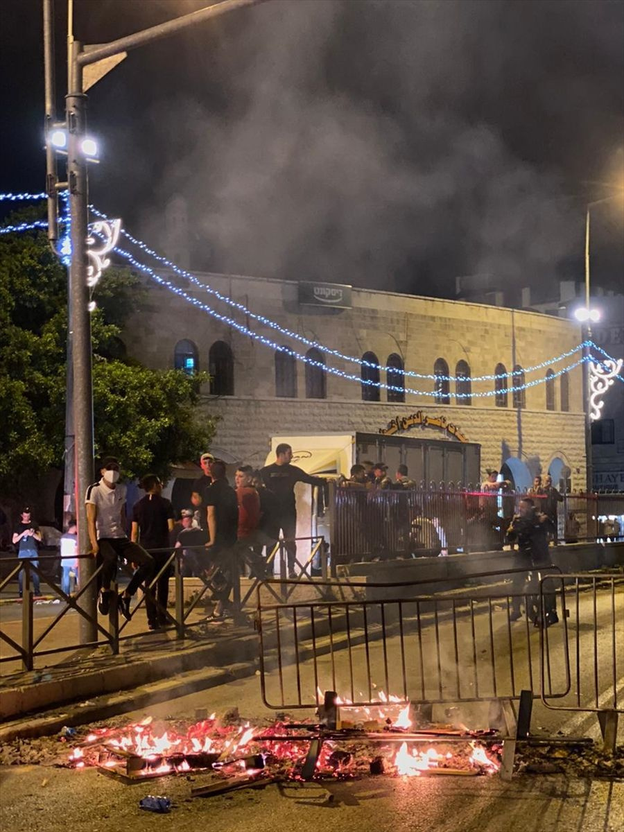 İsrail yine Mescid-i Aksa'yı hedef aldı! 90 Filistinli yaralandı