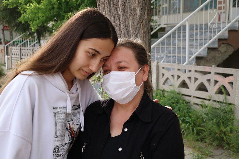 Üniversite öğrencisi genç kızın 4 yıldır bitmeyen kabusu! Saplantılı aşık 'eskort kız' hesabı açtı